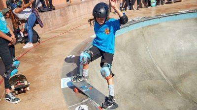 girlskateboard